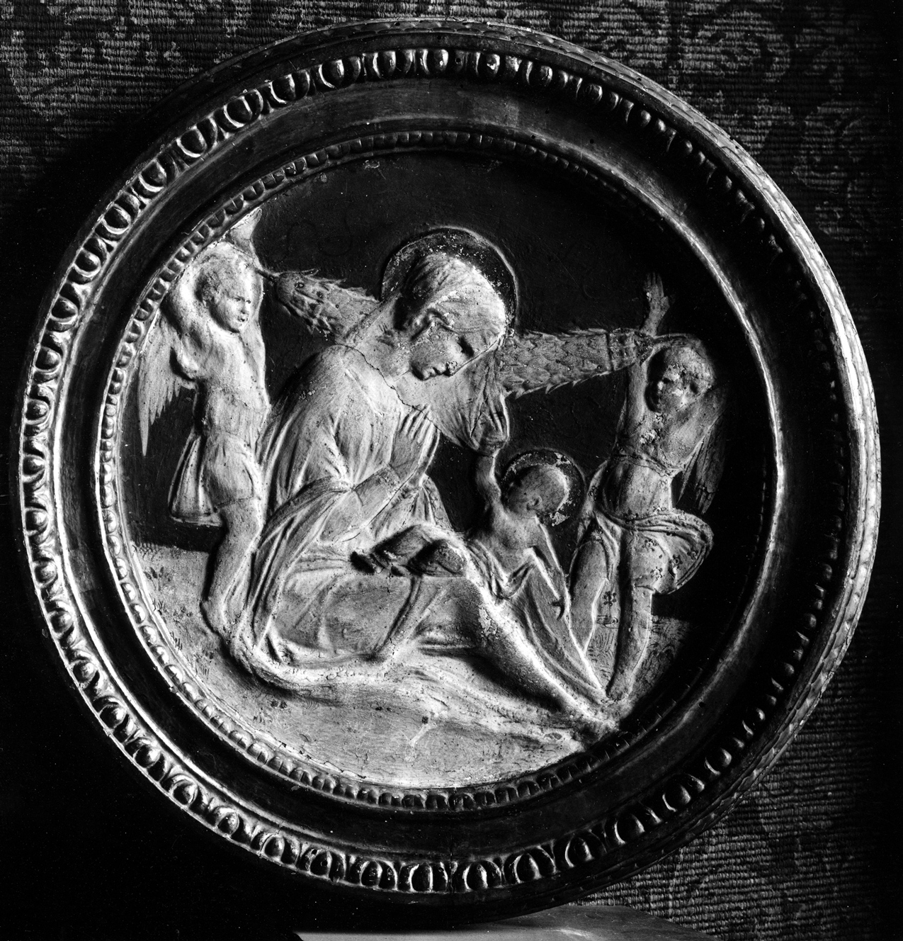 Madonna mit Kind, zwei Engeln und Girlande