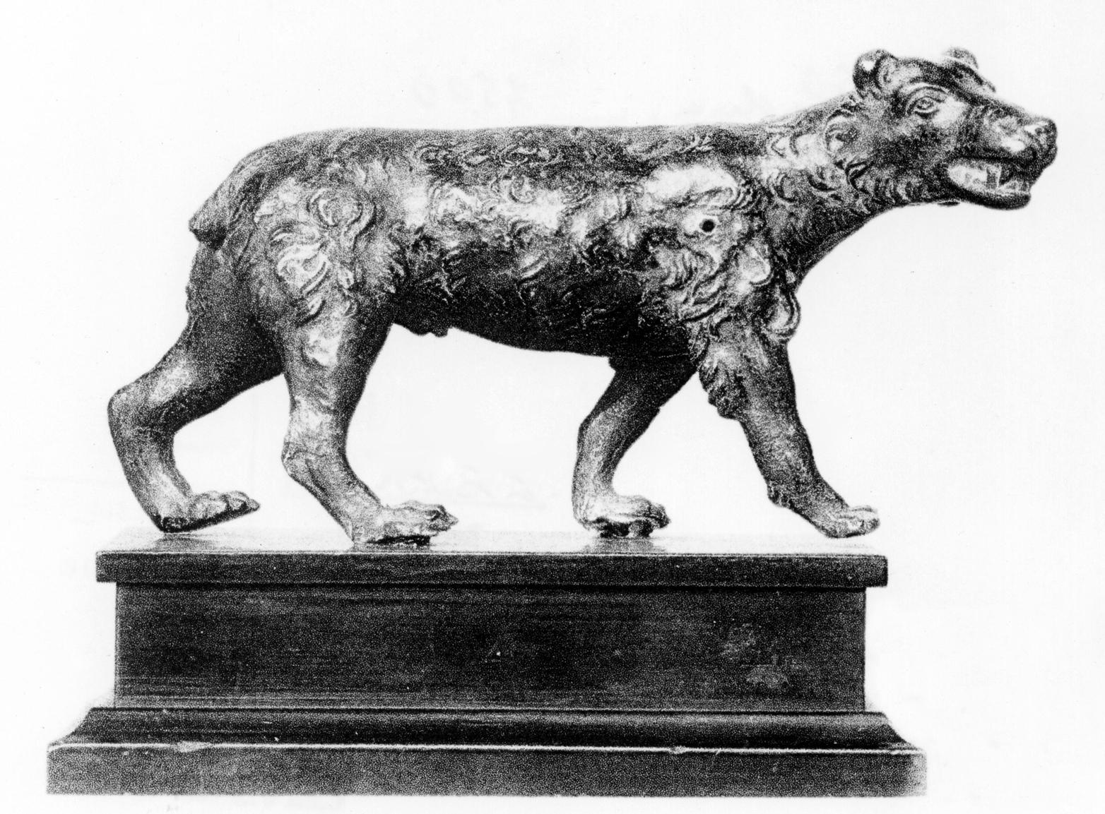 Schreitender Wolf